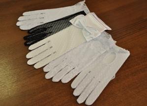 Перчатки бальные короткие
